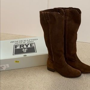 Beautiful Suede Frye Boots size 8!